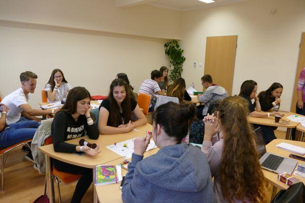 Angol nyelvi és képességfejlesztő nyári tábor középiskolásoknak a Pannon Egyetem Gazdaságtudományi Karán