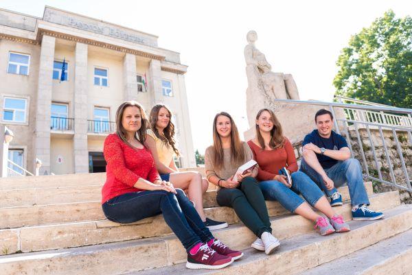 Építsd fel magad! tréningsorozat középiskolásoknak a Pannon Egyetem Gazdaságtudományi Karán