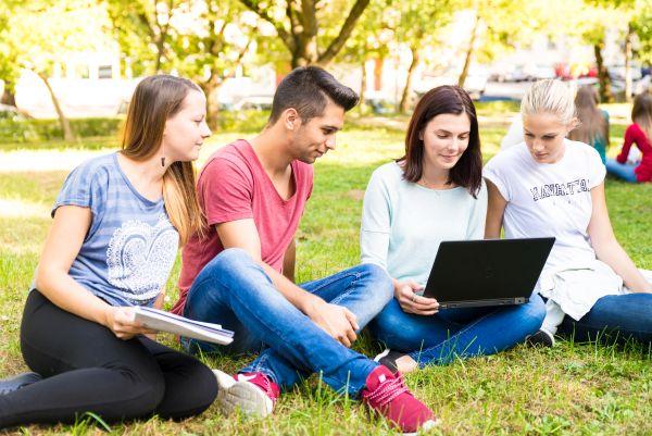 Online felvételi tanácsadás a Pannon Egyetem Gazdaságtudományi Karán