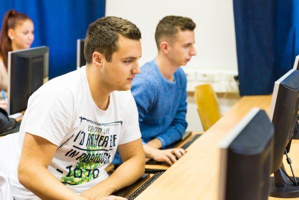 Pénzügy és számvitel felsőoktatási szakképzés a Pannon Egyetem Gazdaságtudományi Karán